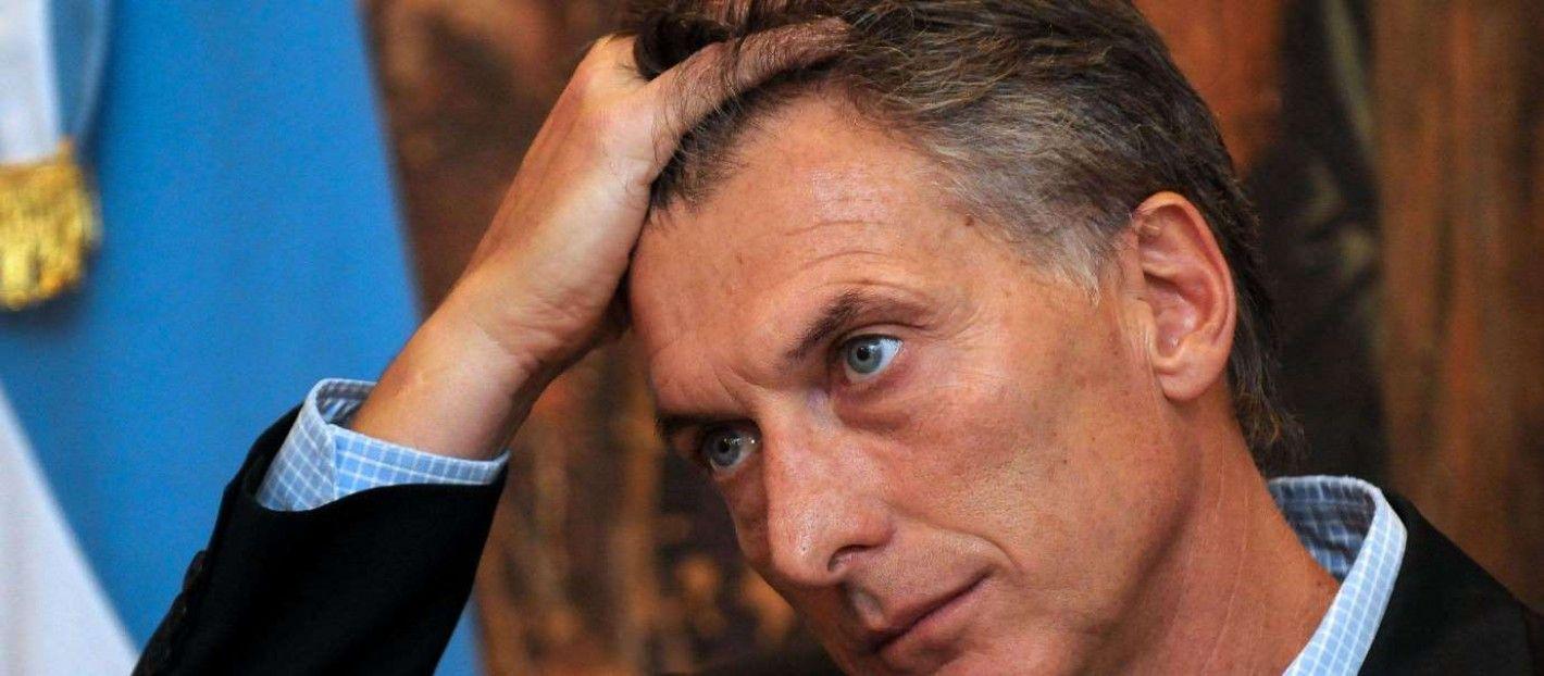 Argentina: Macri quiere tapar el sol con un dedo reduciendo su gobierno a menos de la mitad