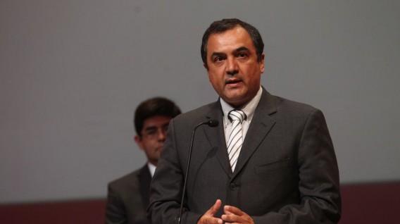 Carlos Oliva es nombrado nuevo ministro de economía. Perú