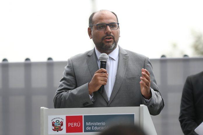 Daniel Alfaro: A los profesores que acaten el paro se les descontará el sueldo y serán remplazados
