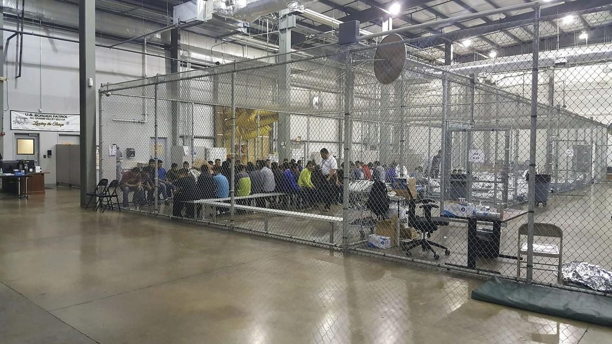'VIDEO' La propia Perrera: Así son las jaulas donde encierran a los niños indocumentados en EEUU