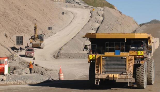 Perú aumentaría su producción minera un 50% para reactivar su economía