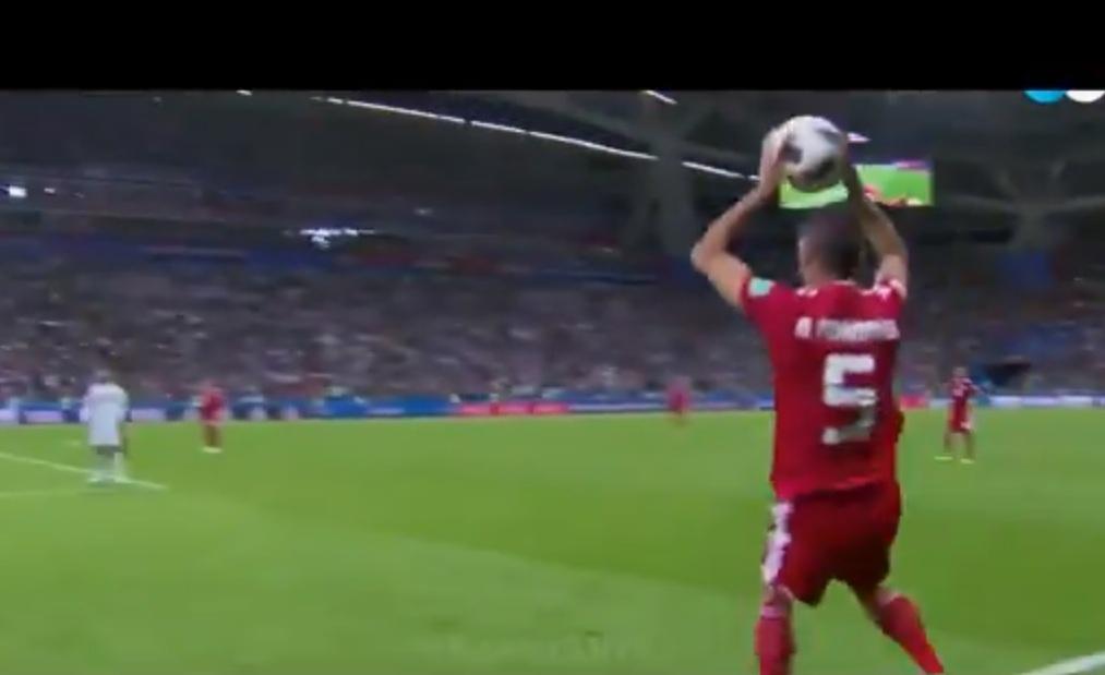 Fiesta de Memes al Jugador Mohammadi tras ridiculo saque en partido con España