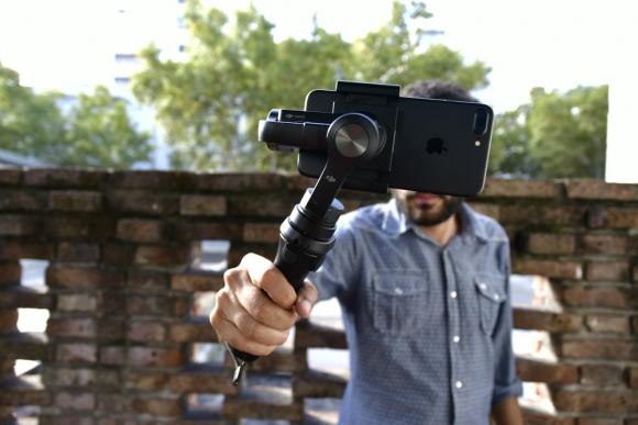 'VIDEO' Quiso tomarse una selfie en el cielo y no imaginas lo que pasó