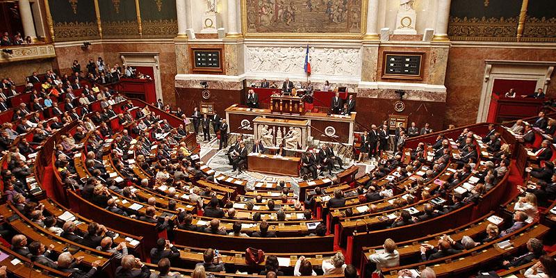 Parlamento Francés busca penalizar las noticias falsas (fakes news)