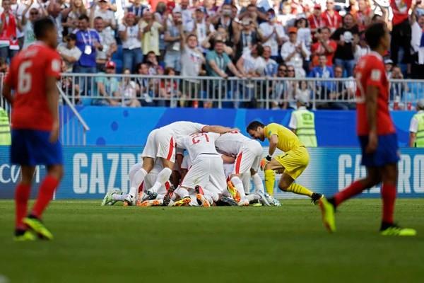 VÍDEO. Serbia vence a Costa Rica por la mínima diferencia