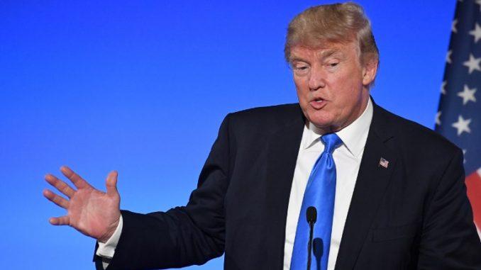 Trump anuncia que perdonará al fallecido Muhammad Alí ya que nunca pudo pagar su condena