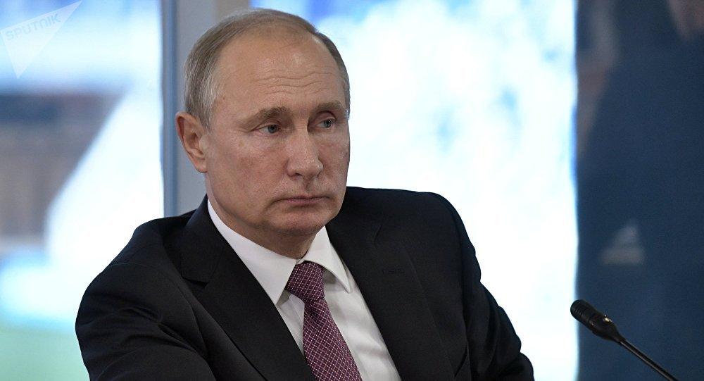 Putin da condolencias a Grecia por las victimas de los incendios.