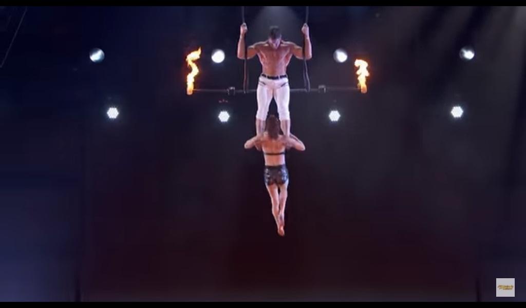 'VÍDEO' Por poco un espectáculo de acrobacia termina en tragedia