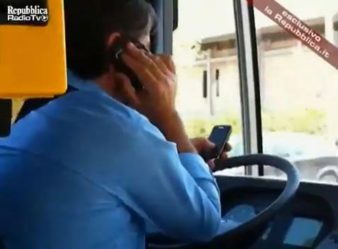 Proponen bloquear los celulares de los chóferes en Rosario