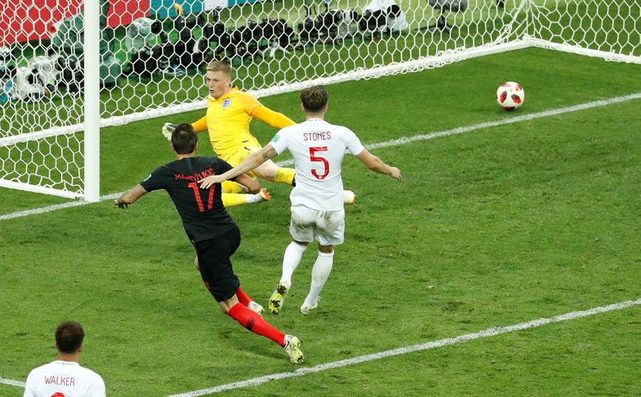 Croacia vence a Inglaterra 2-1 y se mete en la final