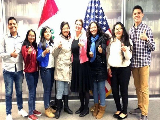 Jovenes peruanos serán protagonistas de la construcción de un robot submarino en EEUU