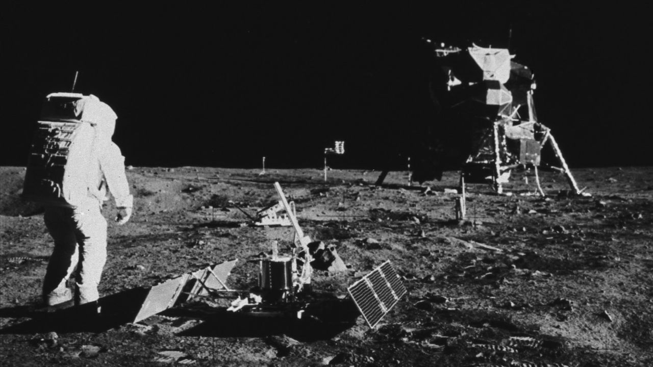 Rusia piensa diseñar un dispositivo para el descenso de cosmonautas en la Luna