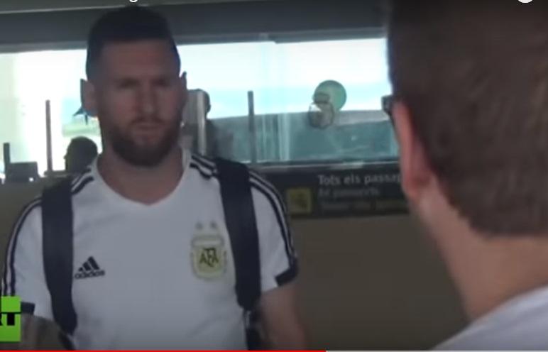 'VÍDEO' La fría llegada de Lionel Messi a Barcelona