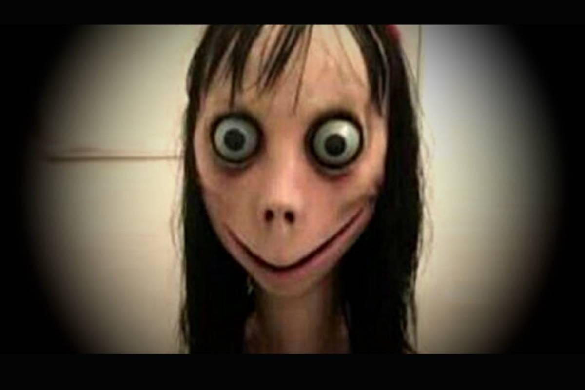 """'VÍDEO' Mujer se maquilla de el """"Momo"""" aterrorizando a todos los usuarios"""