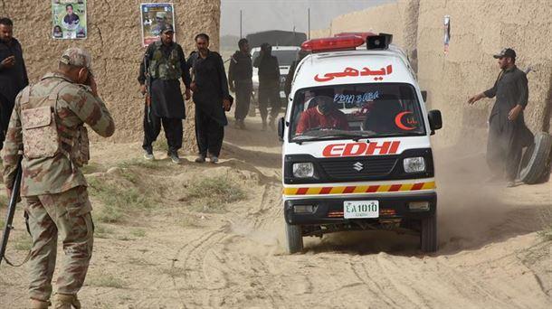 VÍDEO. Van 149 muertos en atentado a un mitin electoral en Pakistan