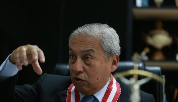 Fiscal de la nación Pedro Chávarry: se defiende de sus criticas por relación con el juez Hinostroza