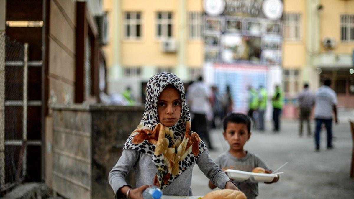 Desesperados habitantes de Al-Raqa piden ayuda al gobierno Sirio