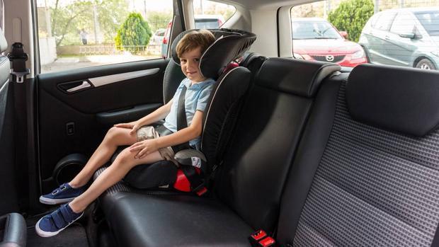 Conductores en Argentina que lleven menores de 12 años sin sillas de protección podrán ser multados gravemente