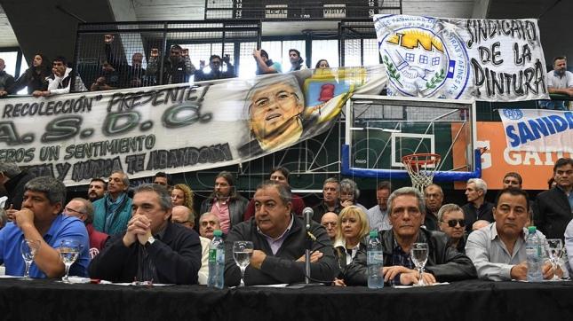 Continua la lucha contra los despidos en la agencia de noticias gubernamental Telam de Argentina