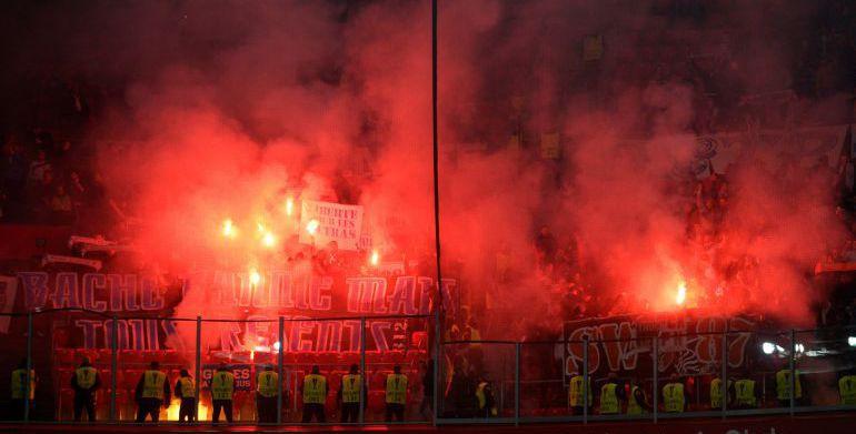 Marsella es sancionada por la UEFA por incidentes ocasionados por sus hinchas.