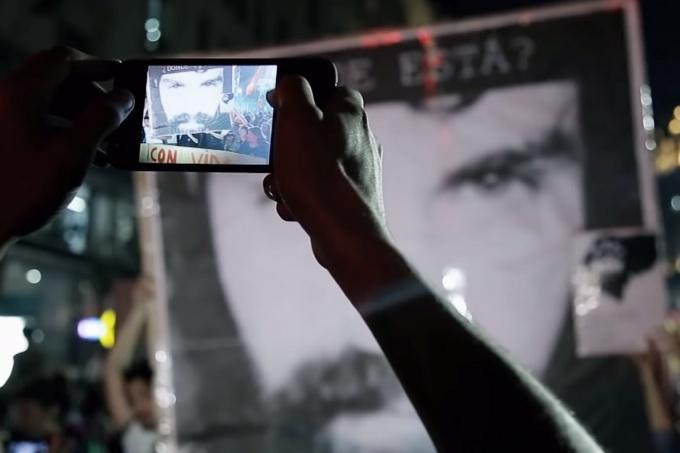 Argentina: Violencia desatada durante la presentación del documental Santiago Maldonado: VIDEO