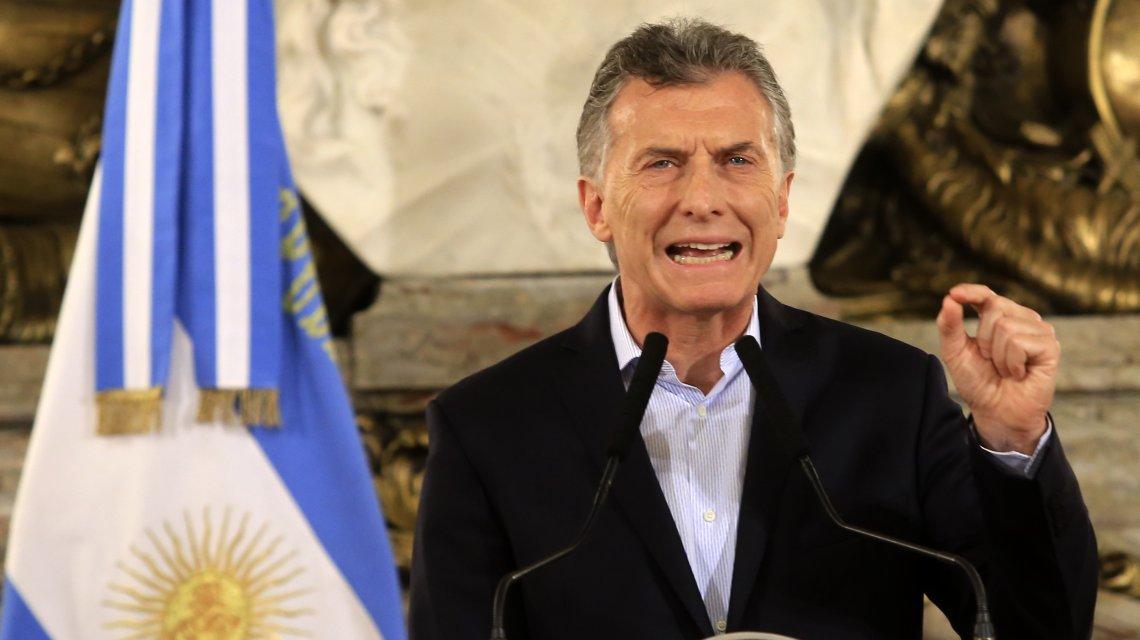 Argentina: Macri ignora ingenuamente la subida del dolar en el país