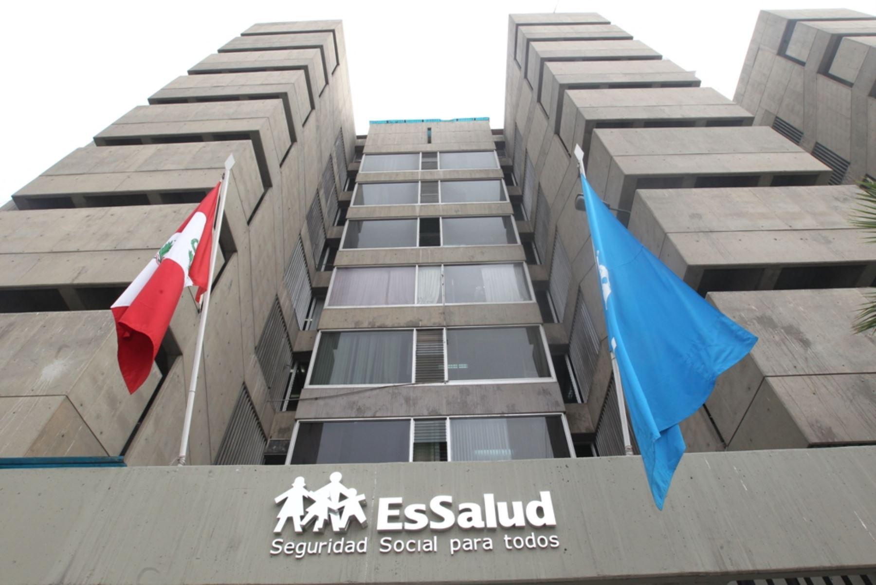 Perú: EsSalud afirma que los gastos posteriores a las medidas del congreso son 'insostenibles'