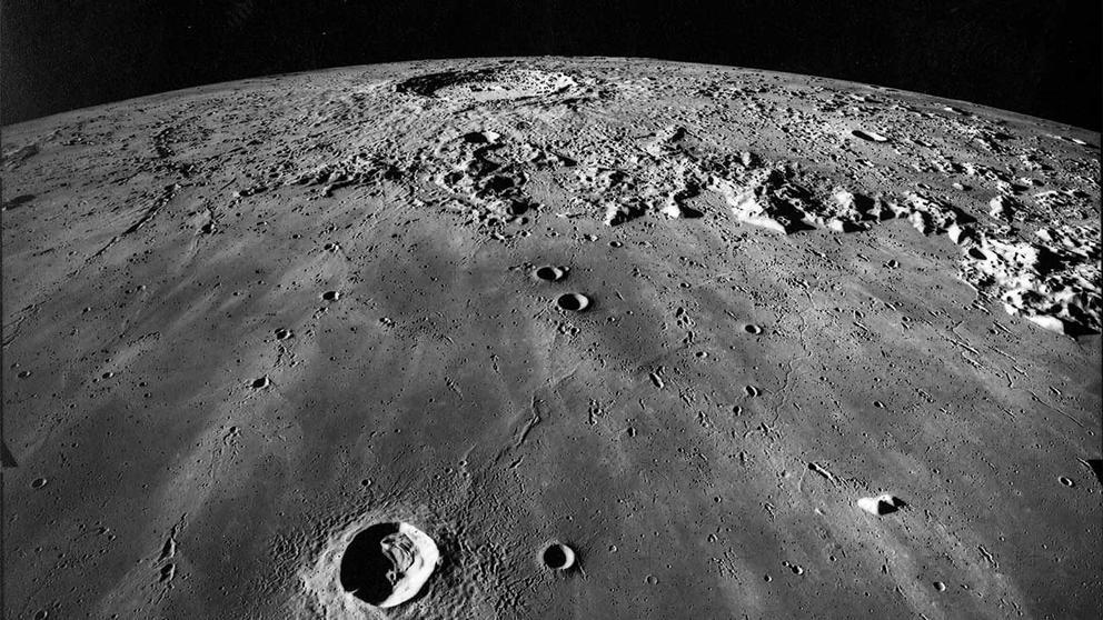 VIDEO: El momento exacto en el que dos meteoritos impactan la luna y le causan dos nuevos cráteres