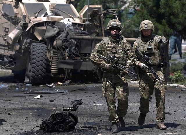 VÍDEO. Suicida taliban mata a 3 soldados checos de la OTAN en Afganistán