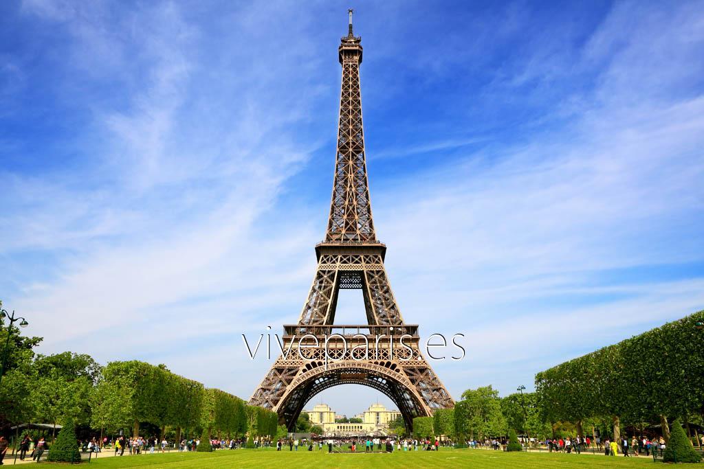 Cierran la Torre Eiffel por conflictos causados por largas filas de espera