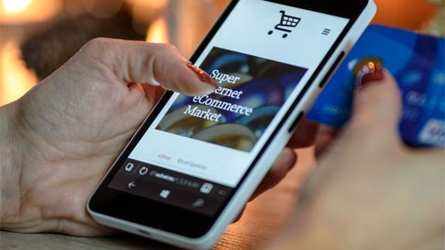 Argentina. Con el aumento del dólar piensan si es conveniente comprar telefonos y noteboks por fuera
