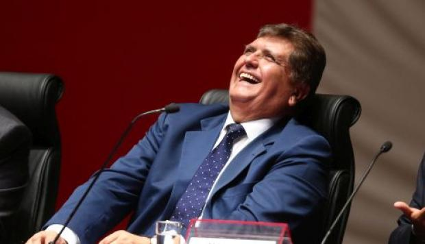 Alan García afirma que el Perú le ama y que Martin Vizcarra es repudiado por el pueblo
