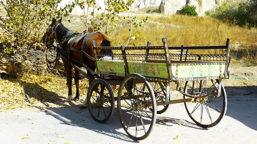 VIDEO.Vehiculo con un caballo de fuerza.