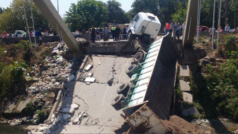 Argentina: Puente en Tucumán colapsa con un camión en pleno paso (VIDEO)