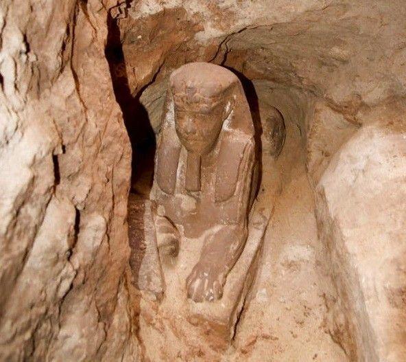 Arqueólogos en Egipto Hallan esfinge de la época de los faraones