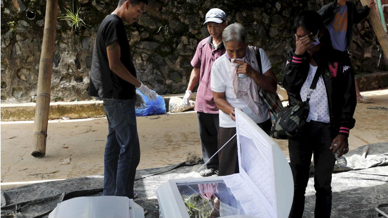 Tifón Mangkhut mata al menos 74 personas en Filipinas