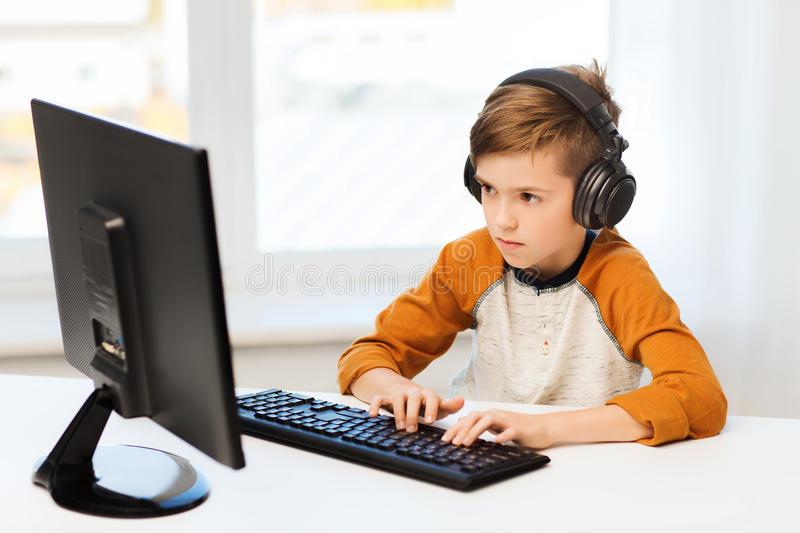 Mira lo perjudicial que resultan más de dos horas en la pantalla para los niños