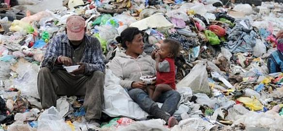 """Macri fracasa miserablemente con su política de """"Pobreza Cero"""": más de 11 millones de personas pasan hambre en Argentina"""