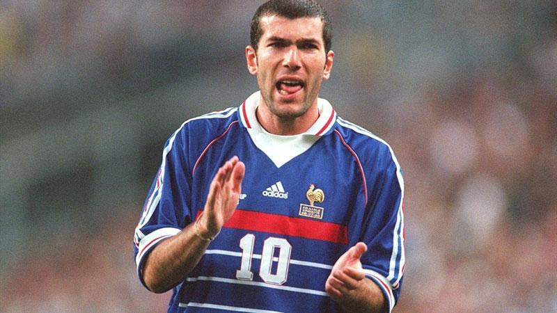Camiseta de Zidane usada en el mundial de 98 será subastada por un inicio de 20 a 40 mil euros