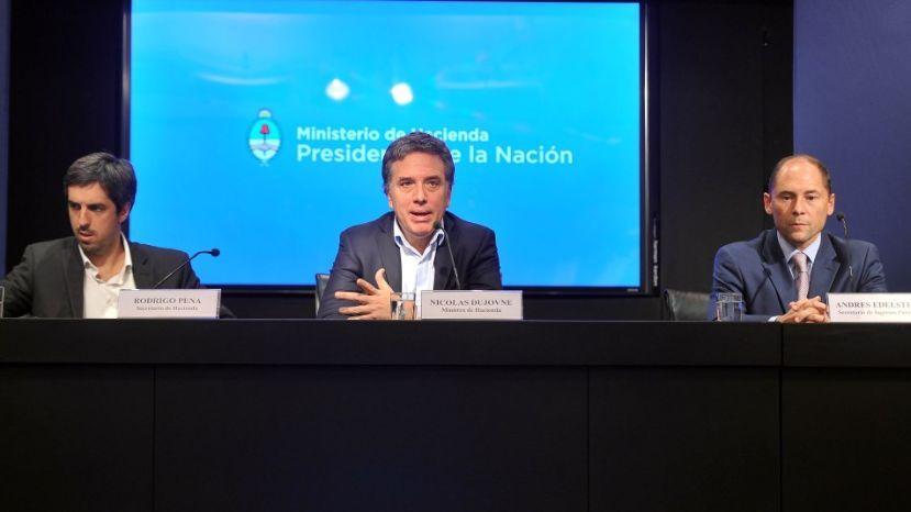 Argentina. Dujovne anunció  que el gobierno sobrepaso el déficit fiscal del tercer semestre