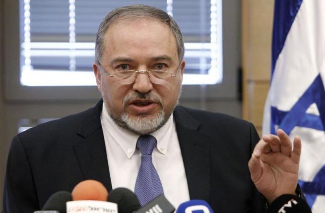 Israel anuncia que atacará Siria sin importar la llegada de los S-300