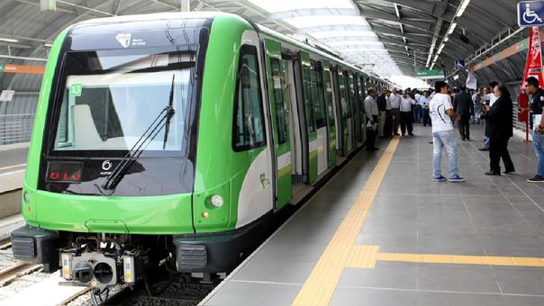 Perú. Es inaugurado tren con capacidad de 1200 personas