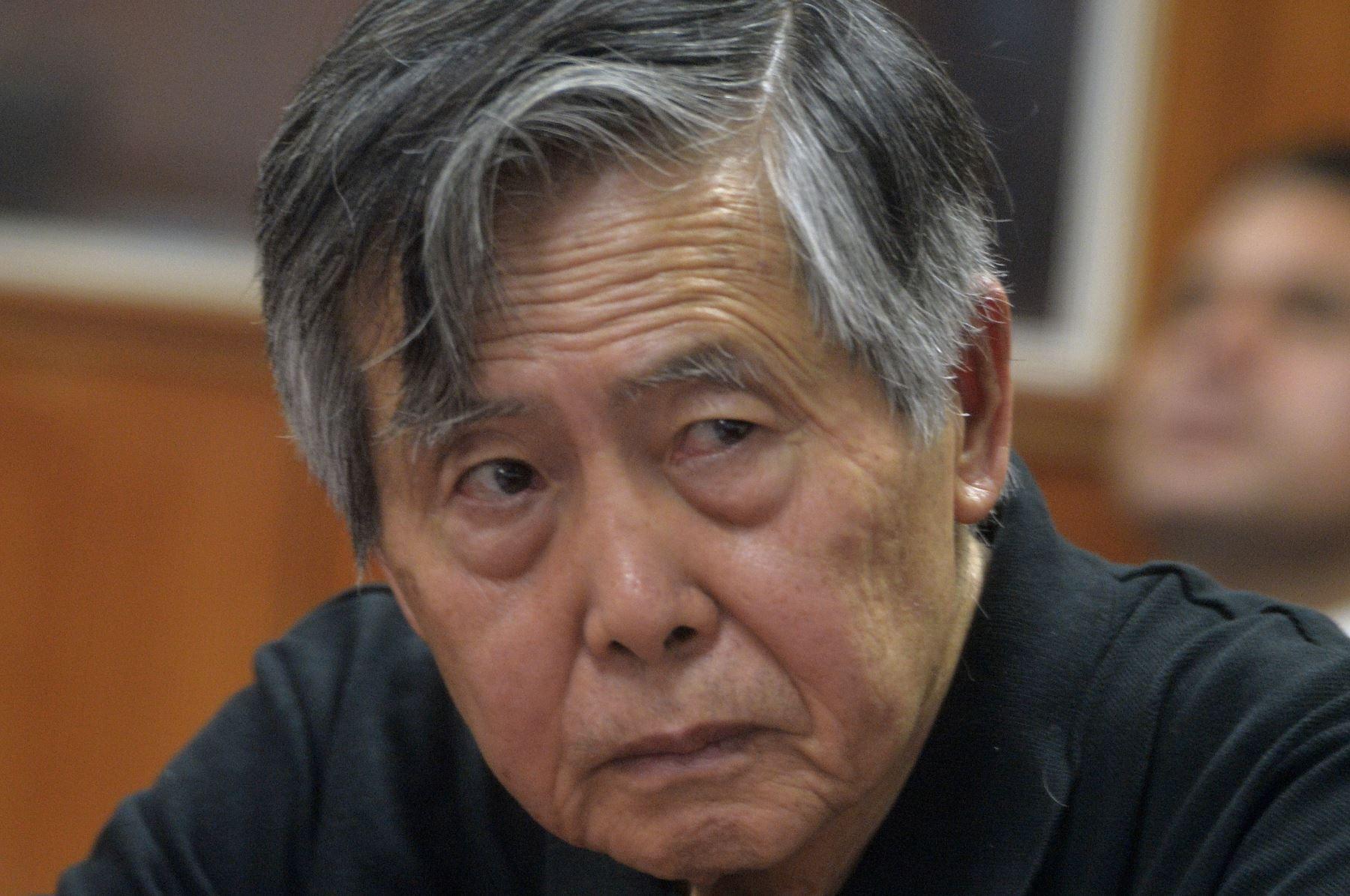 Confirman prohibición de salida del país para Alberto Fujimori