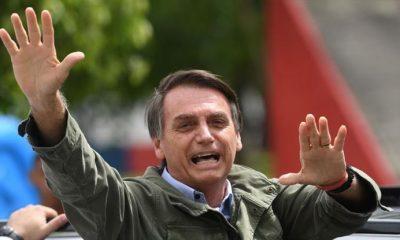 Bolsonaro pasea en moto y sin mascarilla