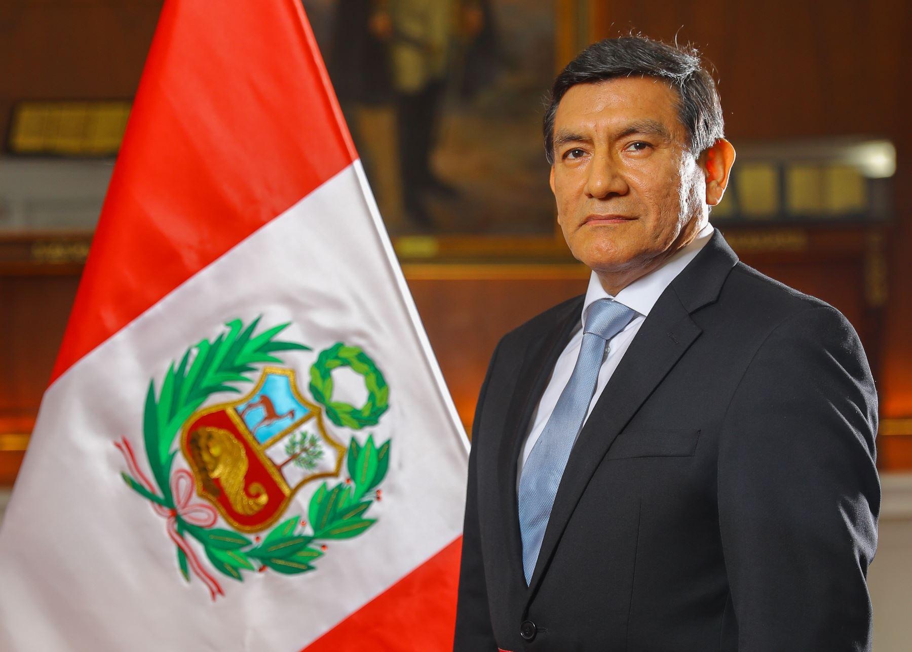 Perú: Gobierno hace oficial el nombramiento del ministro Carlos Morán