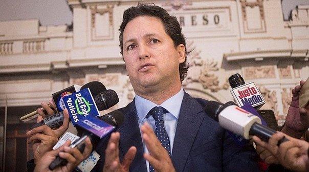 Perú. Daniel Salaverry tratara moción de censura en su contra