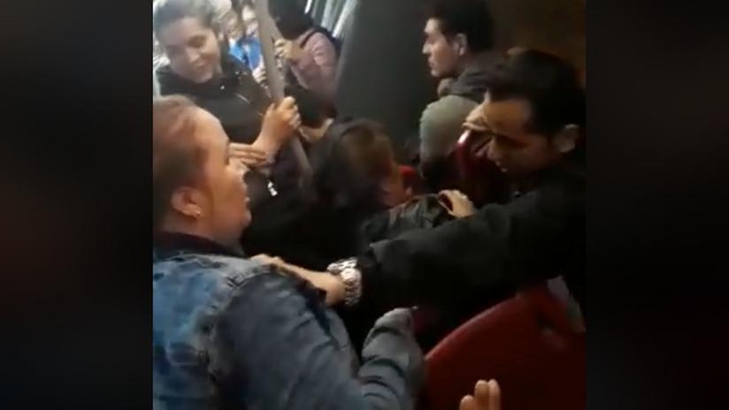 VIDEO. Mujer furiosa confronta de forma frenética a su infiel esposo