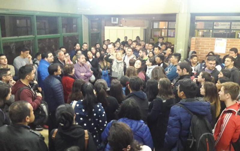 Argentina: Estudiantes porteños denuncian el cierre de los Institutos de Formación Técnica Superior de la Ciudad