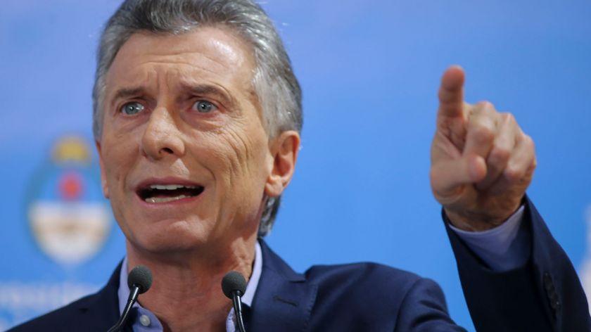 Macri no se hace cargo de la disparada del dólar, culpa al Kirchnerismo y a los votantes. VIDEO