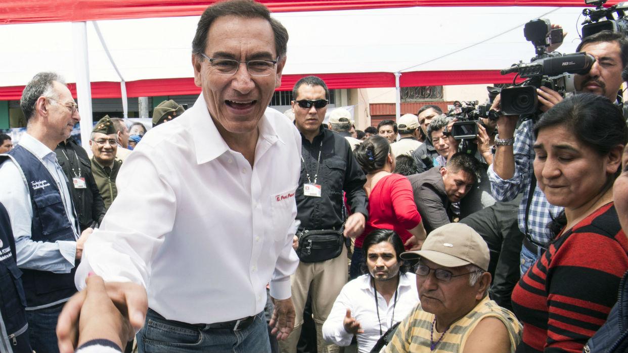 Perú. Aumenta en un 61% la aprobación de Vizacarra